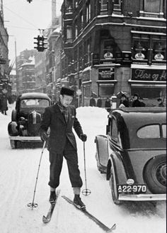 When winter meant snow and cold and skiing in Inner City. Old Photos, Vintage Photos, Xc Ski, Kingdom Of Denmark, Vintage Ski, Vintage Decor, Nordic Skiing, Danish Christmas, Scandinavian Countries