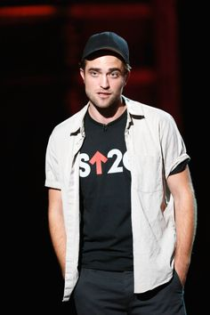 Photos and Video of Robert Pattinson at The Stand Up To Cancer Event on http://www.shockya.com/news
