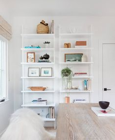Client Holla At La Jolla – Amber Interiors Apartment Furniture Layout, Modern Apartment Decor, Apartment Ideas, Cozy Apartment, Studio Apartment, Apartment Design, Home Office, Attic Office, Br House
