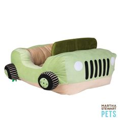 This could be the coolest dog bed ever -- the #MarthaStewartPets Jeep bed! Only @petsmartcorp