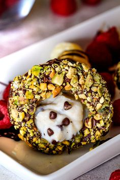 Wonderfully EASY Puffed Pastry Cannoli Cones stuffed with dreamy authentic cannoli filling are super impressive yet hardly any effort! Make ahead for your next party! Mini Tartlets, Cannoli Filling, Carlsbad Cravings, Dessert Recipes, Desserts, Dessert Ideas, Decadent Cakes, Breakfast Bake, Cupcake Cakes