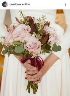 roses bouquet, velvet ribbon