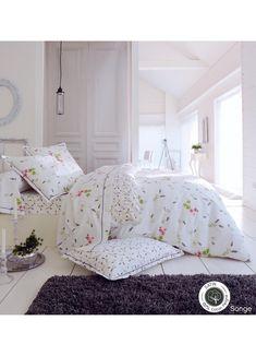 Parure Songe (Blanc) Linen Bedroom, Bedroom Furniture, Master Bedroom, Bedroom Decor, Bedroom Design Inspiration, Bedroom Styles, Bed Covers, Bed Spreads, Bed Frame