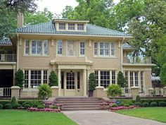 The color of the roof   Yellow Brick House with Tile Roof, Swiss Avenue, Dallas, TX Yellow Brick Houses, Brick House Colors, House Exterior Color Schemes, White Exterior Houses, Exterior Paint, Exterior Colors, Ranch Exterior, House Trim, Brick Ranch