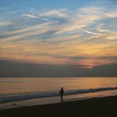 【straight.way58】さんのInstagramをピンしています。 《Flounder fishing  #flounder #fishing #beach #sea #sky #sunset #twilight #magichour #cloud #chigasaki #shonan #kanagawa #japan  #ヒラメ #釣り #ビーチ #浜 #サーフ #海 #空 #夕日 #夕焼け #夕暮れ #夕まずめ #マジックアワー  #雲 #茅ヶ崎 #湘南》