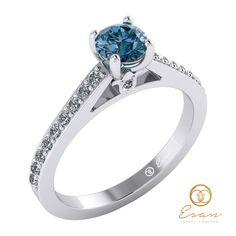Inel de logodna din aur alb cu diamant albastru si diamante ES89