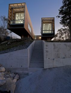 Two Hull House by MacKay-Lyons Sweetapple Architects. (via Two Hull House by MacKay-Lyons Sweetapple Architects Home Adore) More archi here. Cantilever Architecture, A As Architecture, Residential Architecture, Contemporary Architecture, Installation Architecture, Architecture Interiors, Sustainable Architecture, Contemporary Design, Container Buildings