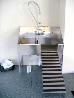 Delightful Stainless Steel Dog Grooming Sinks For Your Pet