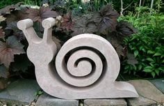 CONCRETE MOLD This snail piece of art must go into your garden 🙂 In the pictures you can see the shape to be acquired (the NEGATIVE), the POSITIVE and a finished concrete object. You buy the mold to pour yourself! Here you get a disposable mold from us Cement Garden, Cement Art, Concrete Crafts, Concrete Projects, Concrete Casting, Concrete Cement, Concrete Planters, Art Concret, Concrete Sculpture