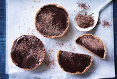 Grieß-Tartelettes mit Kaffee-Schoko-Füllung Foto: © Ben Dearnley