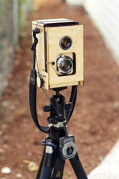 A twin-lens reflex camera designed and built from scratch by photographer Kevin Kadooka! #photography