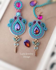 Soutache earrings by Layla Jewelry Soutache Pattern, Soutache Tutorial, Earring Tutorial, Bead Embroidery Jewelry, Textile Jewelry, Beaded Earrings, Beaded Jewelry, Jewellery, Handmade Accessories