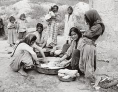 Nazareth / Palestine women washing clothes.1900-1920