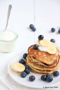 Spelt banaan pannenkoekjes met blauwe bessen - Mind Your Feed