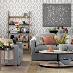 Light grey walls living room grey wall decor ideas medium size of living brown couch with gray walls decorating with grey light gray walls living room ideas Grey Walls Living Room, Simple Living Room, Living Room Sofa, Interior Design Living Room, Living Room Designs, Living Room Decor, Living Rooms, Modern Living, Grey Room