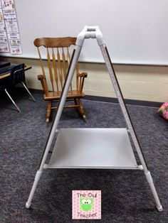DIY easel for your classroom with PVC piping! Classroom Hacks, Classroom Projects, New Classroom, Classroom Setting, Classroom Setup, Classroom Design, Kindergarten Classroom, Classroom Organization, Classroom Environment