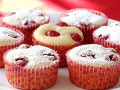 briose cu visine Romanian Desserts, Romanian Food, Romanian Recipes, Fun Desserts, Dessert Recipes, Pinterest Recipes, Dessert Bars, Cake Cookies, Cupcakes