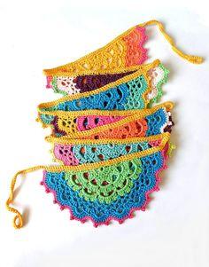 Crochet Triangle, Crochet Cross, Crochet Art, Cute Crochet, Crochet Motif, Beautiful Crochet, Crochet Designs, Form Crochet, Crochet Doilies