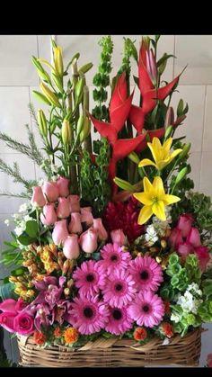 Creative Flower Arrangements, Funeral Flower Arrangements, Beautiful Flower Arrangements, Flower Centerpieces, Flower Decorations, Floral Arrangements, Beautiful Flowers Pictures, Beautiful Bouquet Of Flowers, Flower Pictures