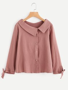 SheIn offers Asymmetric Collar Tie Cuff Shirt & more to fit your fashionable needs. Kurta Designs, Blouse Designs, Dress Outfits, Casual Dresses, Hijab Fashion, Fashion Outfits, Fashion Fashion, Collar Designs, Collar Kurti Design