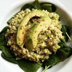 (1) veganská DIY kuchárka Avocado Toast, Risotto, Breakfast, Healthy, Ethnic Recipes, Diy, Food, Morning Coffee, Bricolage