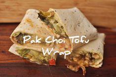 Ein herzhaft saftiger Tofu Wrap, den du als Zwischenmahlzeit ebenso wie als Hauptgang vertilgen kannst! Nomnomnom! Lecker mit Avo und Pak Choi, schlemmer!