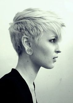Sometimes I dream of cutting my hair short again. This one is cute.