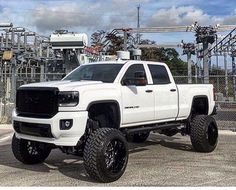 New white Gmc Denali Customized and ModifIed with a lift Wheels and Front end Lifted Chevy Trucks, Gm Trucks, Jeep Truck, Diesel Trucks, Cool Trucks, Pickup Trucks, Gmc Denali Truck, Lifted Dodge, Dodge Diesel