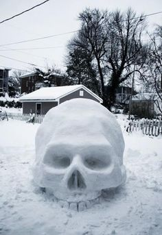 Now thats a snowman! :D