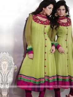 Fabulous green shade kalidar suit with full length sleeves. Magenta shade floral embroidery and patch work is looking beautiful. It will look good for semi-formal parties. http://goodbells.com/salwar-suits/fabulous-green-shade-salwar-kameez.html
