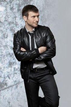 Giannis Ploutarxos - Greek Singer Nineties Music, Kostas Martakis, Learn Greek, Greek Music, Famous Singers, Folk Music, Bomber Jacket, Leather Jacket, Actresses