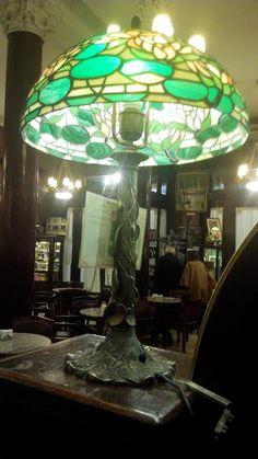CAFÉ TORTONI-Buenos Aires.