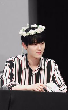 Hwang Minhyun Busan, Nu Est Minhyun, My Destiny, Kim Jaehwan, Ha Sungwoon, Flower Boys, Produce 101, Ji Sung, Pledis Entertainment