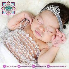 Los lunes las princesas estamos más guapas. #MiamiPhotoStyle ________________________________________________ #miami #florida #eldoral #happy #inspire #photomiami #miamistyle #beatrizpirela #fotografía #photographer #photogra #pictures #picogtheday  #miam