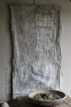 I found my home Galerie Kunst aan de Lek Wabi Sabi, Touch Of Gray, Textiles, Inspired Homes, Textured Walls, Minimalist Design, Textile Art, Decoration, Japanese Philosophy