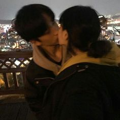 132 images about ulzzang couple ♥ 👀 on we heart it Cute Relationship Goals, Cute Relationships, Couple Goals Tumblr, Couple Goals Cuddling, K Fashion, Korean Fashion, The Love Club, Korean Couple, Ulzzang Couple