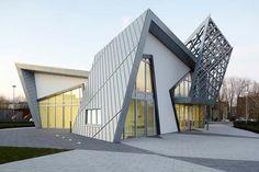 Google Image Result for http://www.nhit-shis.org/wp-content/uploads/homedesign/The-Villa-3-Modern-Architecture-Design.jpg
