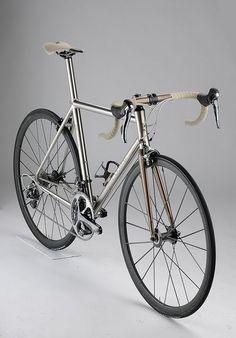 Oh~! the beauty of Titanium Bike~~!