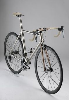 Oh~! the beauty of Titanium Bike~~!