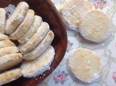 Citronová kolečka Czech Recipes, Salty Snacks, Lemon Cookies, Going Vegan, Christmas Cookies, Camembert Cheese, Deserts, Sweets, Bread