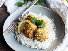 Boulette de morue à la noix de coco http://fr.chatelaine.com/cuisine/boulettes-de-morue-a-la-noix-de-coco/