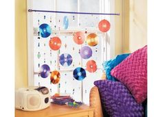 DIY: Decorating your dorm room with old CDs | Dormify