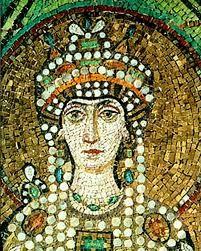 TEODORA.  Teodora era la emperatriz bizantina esposa de Justiniano I. Gozó de gran popularidad y poder.  Teodora es la mujer más influyente y poderosa en la historia del Imperio romano. Desempeñó un papel determinante en la resolución de la grave crisis de la revuelta de la Nika, en el 532, que estuvo a punto de costar el trono a Justiniano. Gracias a Teodora las tropas del general Belisario fueron capaces de sofocar el motín popular.