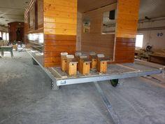 Fabrication des nichoirs par le constructeur des roulottes