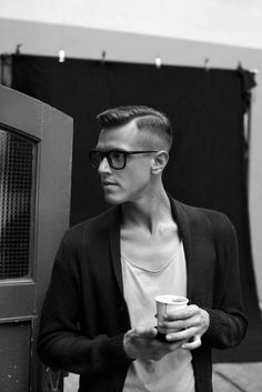 Skip the trends and take a stylish step back in time with these top 60 best old school haircuts for men. Discover cool hairstyles with traditional class. Old School Haircuts, Hairstyles For School, Haircuts For Men, Messy Hairstyles, Men's Haircuts, College Hairstyles, Undercut Hairstyle, Short Hairstyle, Hard Part Haircut