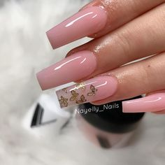 In seek out some nail designs and ideas for your nails? Listed here is our list of must-try coffin acrylic nails for trendy women. Summer Acrylic Nails, Cute Acrylic Nails, Acrylic Nail Designs, Dope Nail Designs, Long Square Acrylic Nails, Clear Acrylic, Art Designs, Classy Nails, Stylish Nails