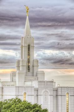 bountiful-temple-spire-moroni-sunset-hdr