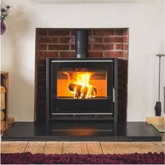 Arada i600 Slimline Freestanding Low Stove. Lifetime guarantee. Preheated airwash system. Also, part of the i600 slimline series is the i600 Slimline Low. For sale in The Stove House showroom in Midhurst Nr Chichester West Sussex. Call for price & installation service 01730 810931 Electric Stove Fire, Cheap Stoves, Inset Stoves, Modern Stoves, Stove Installation, Wood Logs, Patio Heater, Fireplace Accessories, Buy Wood