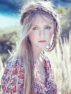 Bohemian Chic.. love the hair and dress