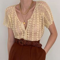 Gilet Crochet, Knit Crochet, Crochet Clothes, Diy Clothes, Looks Hippie, Crochet Woman, Crochet Fashion, Crochet Accessories, Looks Style